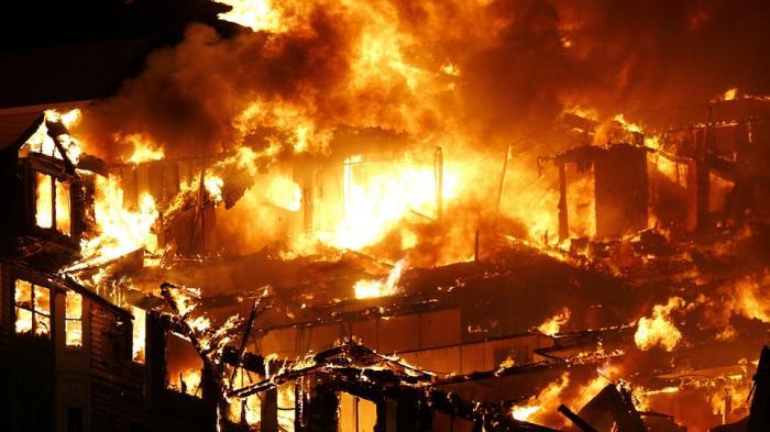 5 Tips Mencegah Dan Menghadapi Kebakaran Di rumahmu
